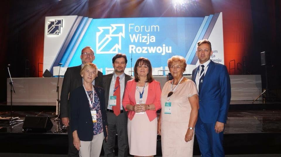 od lewej: Michał Guć, Elżbieta Ostrowska, Jarosław Wittstock, Małgorzata Zwiercan, Wiesława Borczyk, Kordian Kulaszewicz